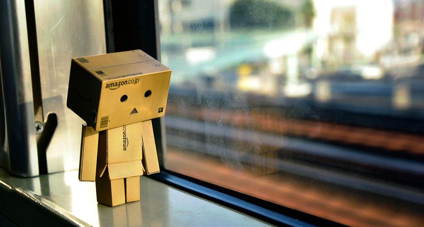 amazon_lonely_box
